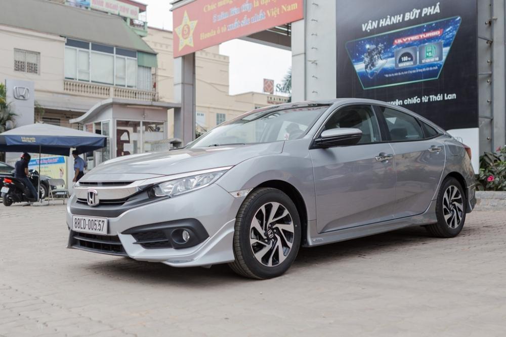 Giá lăn bánh xe Honda Civic 2019 mới nhất tại Việt Nam a2