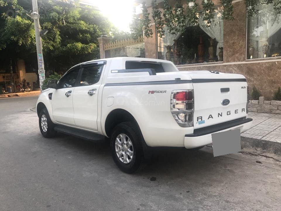 Cần bán xe Ford Ranger 2017, máy dầu, số sàn, màu trắng-3