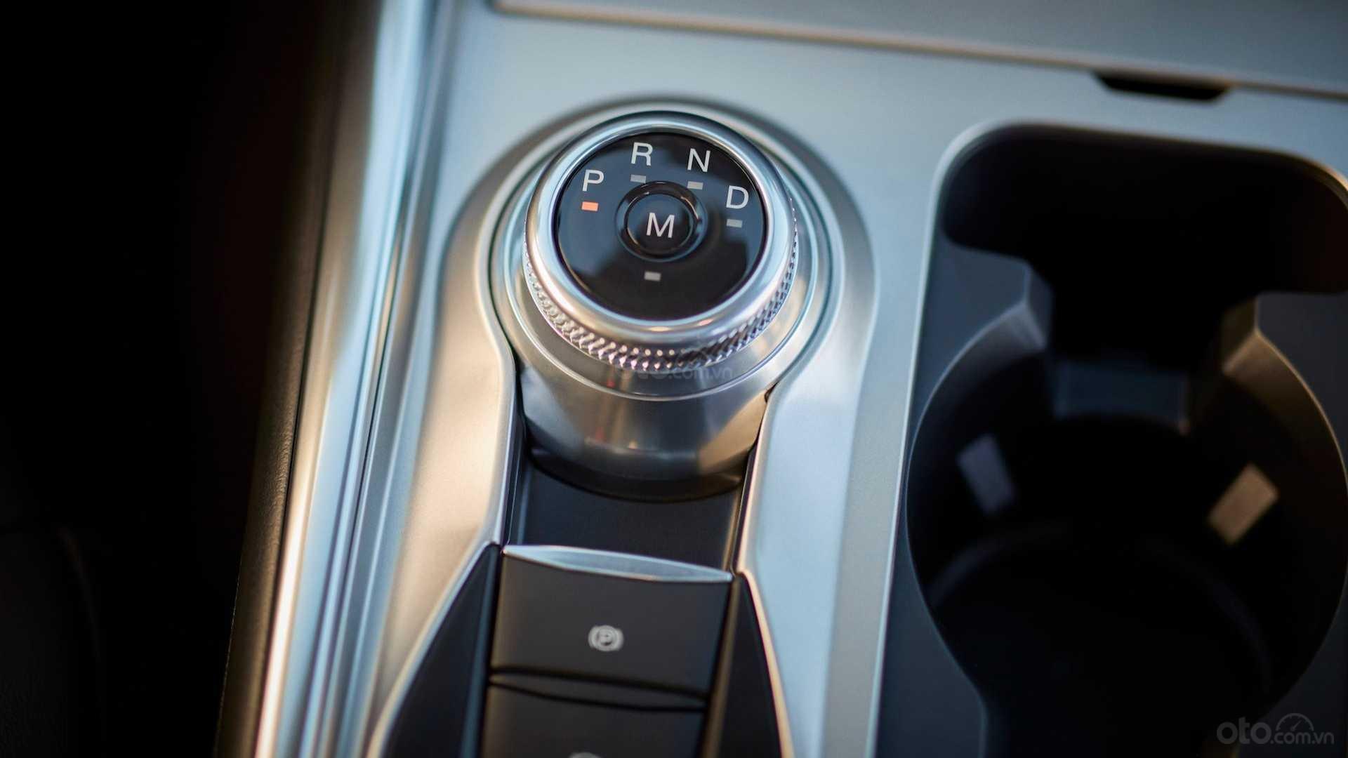 Núm điều khiển trên Ford Explorer 2020