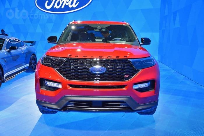 Đánh giá xe Ford Explorer 2020 Đầu xe
