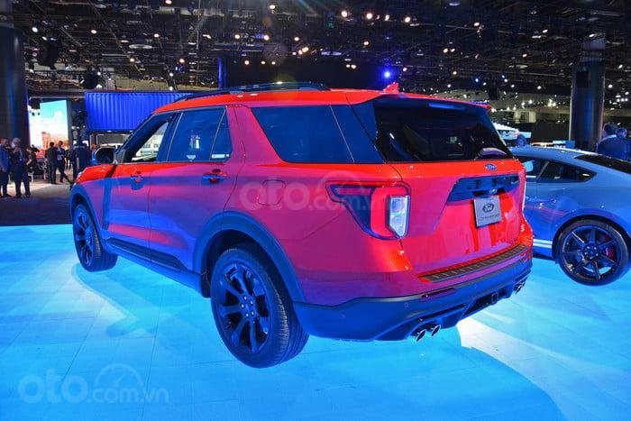 Đuôi xe Ford Explorer 2020