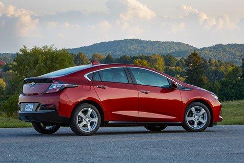 Top 10 mẫu hatchback tốt nhất hiện nay: Chevrolet Volt Premier 2019.