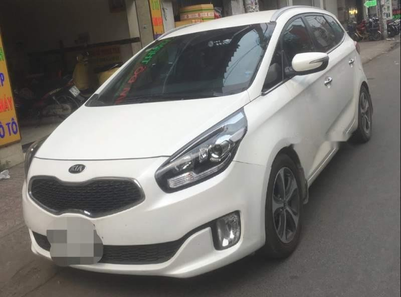Cần bán xe Kia Rondo 2016, màu trắng-0