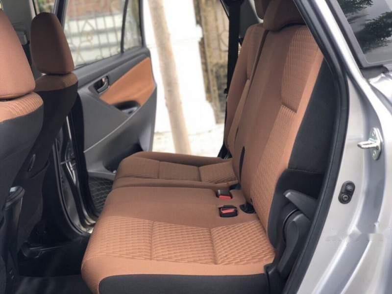 Cần bán Toyota Innova 2.0E năm 2019, màu xám-3