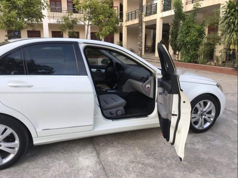 Cần bán gấp Mercedes C200 2008, màu trắng-1