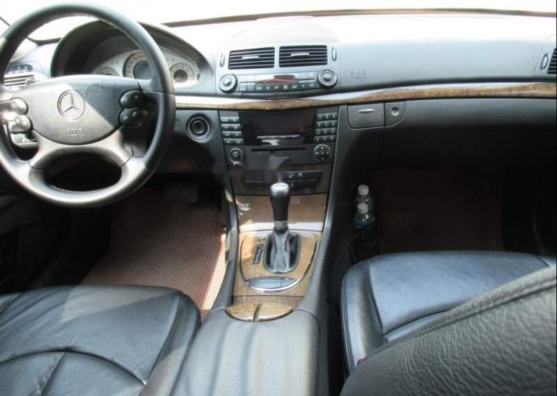 Bán Mercedes E200-Avantgarde, 1.8L công nghệ Kompressor tiết kiệm, SX và ĐK 2008, biển số TP-1