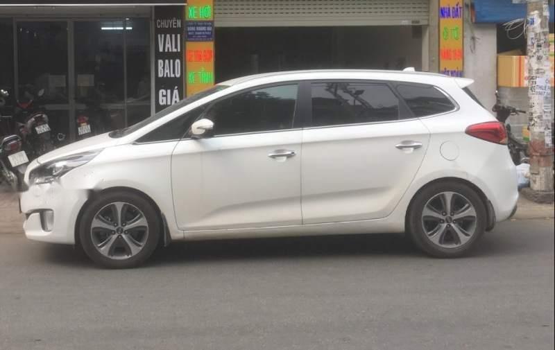 Cần bán xe Kia Rondo 2016, màu trắng-2