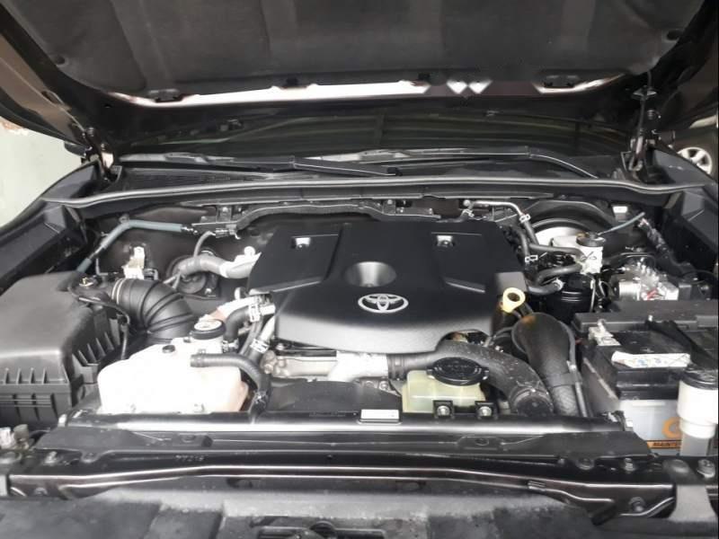 Bán ô tô Toyota Fortuner năm 2017, màu đen-5