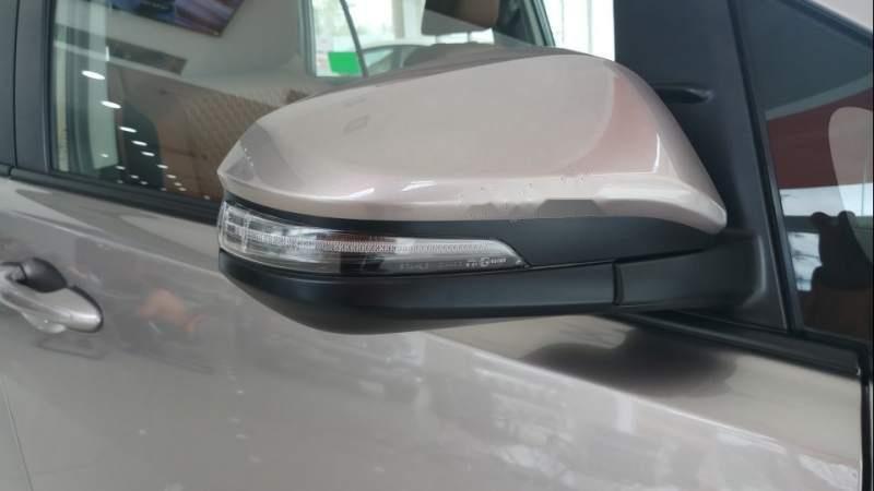 Bán xe Innova 2.0E số tay mới 100%, phiên bản cải tiến 7 túi khí-2