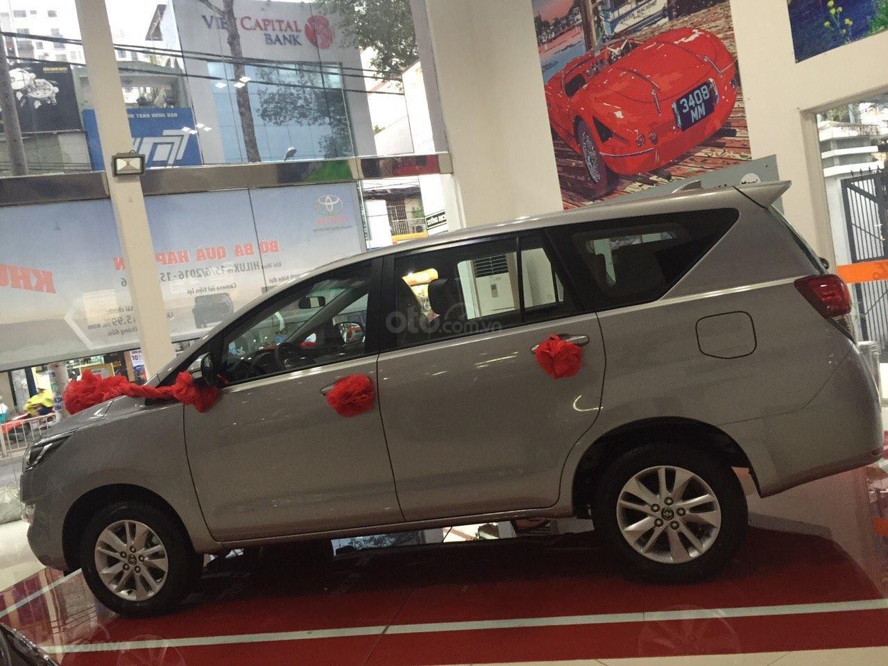 Toyota Innova 2.0G AT năm 2019, màu bạc, số tự động giao ngay-1
