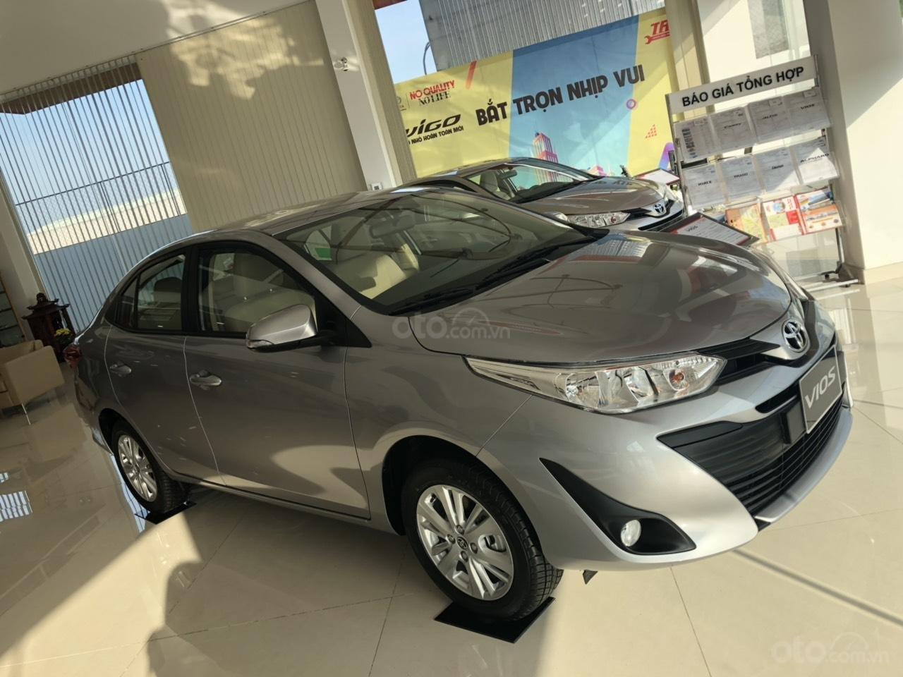 Toyota Vios 1.5E CVT đời 2019, màu bạc, hỗ trợ vay 85%, thanh toán 130tr nhận xe, lãi 0,6%/tháng-0