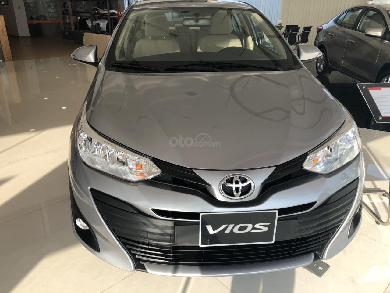 Toyota Vios 1.5E CVT đời 2019, màu bạc, hỗ trợ vay 85%, thanh toán 130tr nhận xe, lãi 0,6%/tháng-1