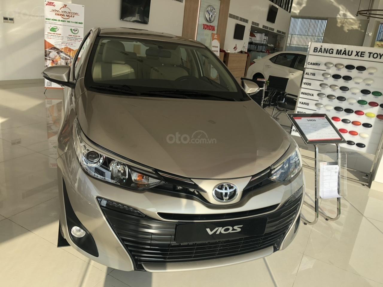 Bán xe Toyota 1.5G CVT sản xuất năm 2019, màu nâu giá cạnh tranh, hỗ trợ vay 85%, thanh toán 140tr nhận xe ngay-0