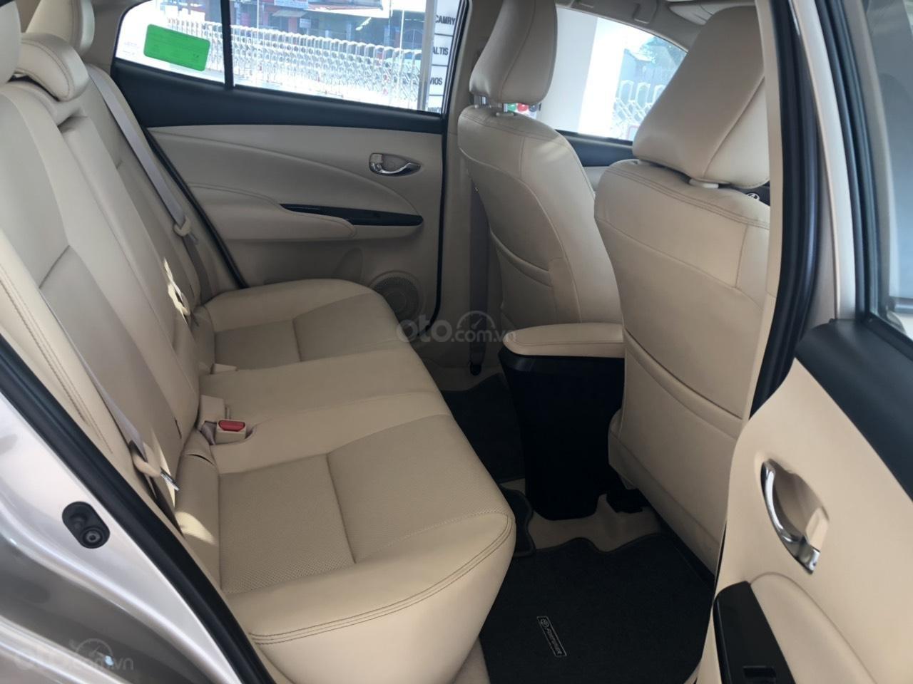 Bán xe Toyota 1.5G CVT sản xuất năm 2019, màu nâu giá cạnh tranh, hỗ trợ vay 85%, thanh toán 140tr nhận xe ngay-4