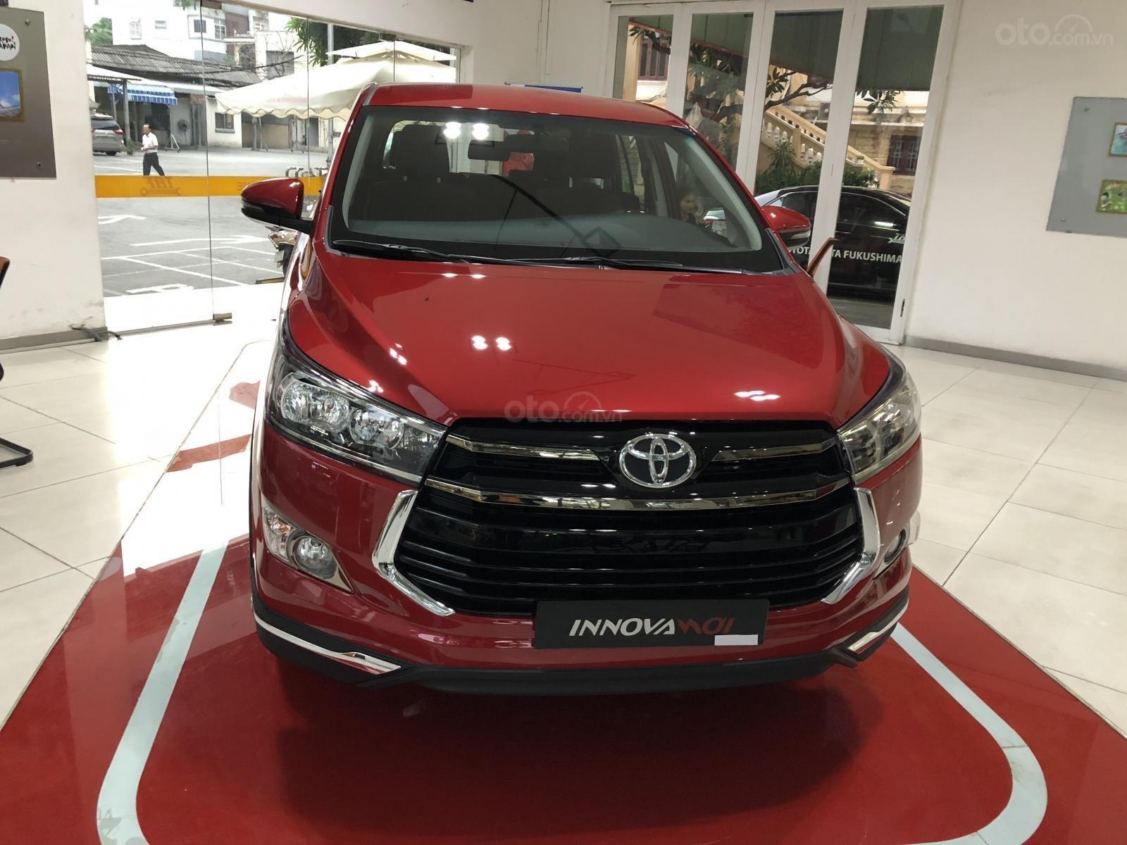 Bán Toyota Innova 2.0 Ventuner, màu đỏ - thanh toán 250tr nhận xe - lãi vay 0,58%/tháng-0