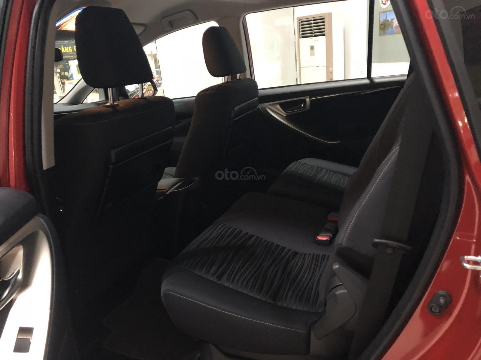 Bán Toyota Innova 2.0 Ventuner, màu đỏ - thanh toán 250tr nhận xe - lãi vay 0,58%/tháng-3