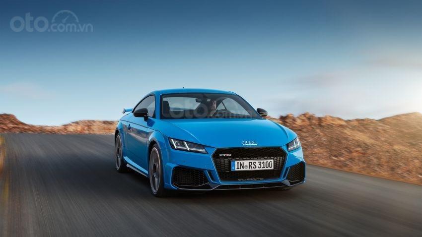 Audi TT RS 2019 đầu xe