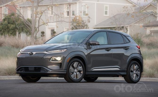 Top 10 xe có động cơ tốt nhất năm 2019: Hyundai Kona EV nổi tiếng