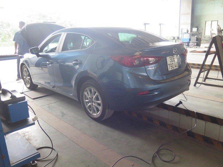 Bước đo khí thải trên xe chạy xăng