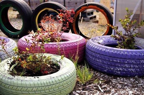 Mô hình chậu trồng cây cảnh từ lốp xe ô tô cũ...