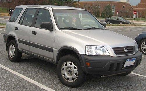 Honda CR-V thế hệ đầu tiên xuất hiện vào năm 1995...
