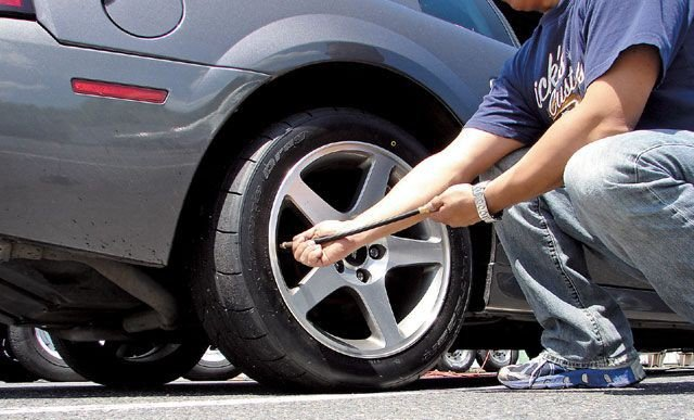 Kiểm tra tình trạng của lốp xe sau những hành trình dài...