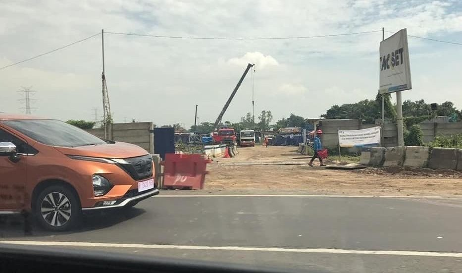 """Nissan Grand Livina """"anh em"""" với Mitsubishi Xpander lộ diện trên phố a2"""