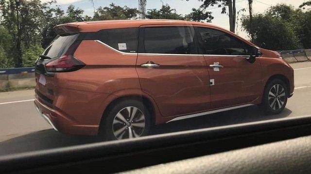 """Nissan Grand Livina """"anh em"""" với Mitsubishi Xpander lộ diện trên phố a1"""