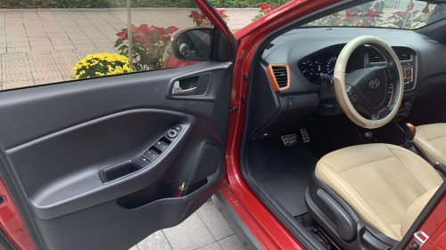 Bán nhanh chiếc Hyundai i20 1.4 AT năm 2016 xe chính chủ, giá thấp, còn mới (3)