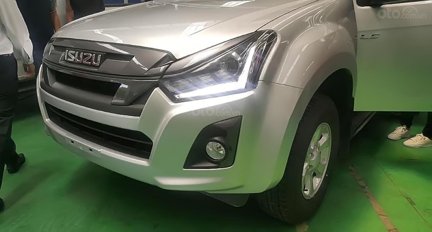 Bán xe Isuzu Dmax LS 1.9L 4x2 MT sản xuất 2018, màu bạc, nhập khẩu-1