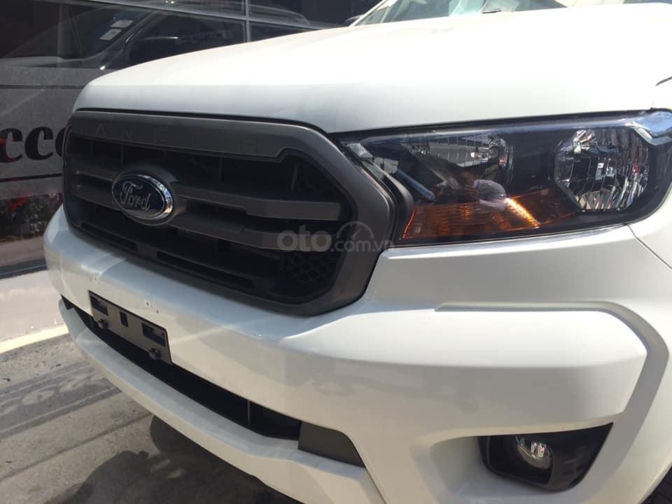 Giảm tiền và tặng phụ kiện: Nắp và lót thùng, BHVC, phim, camera, khi mua xe Ford Ranger 2019, LH ngay: 093.543.7595 (2)