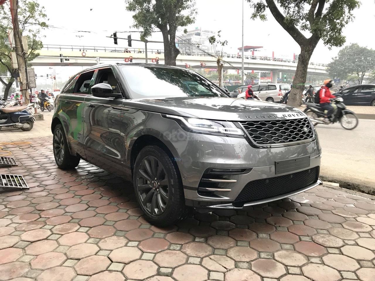 Bán xe LandRover Range Rover Velar P250 SE R-Dynamic sản xuất 2018, màu xám, nhập khẩu-1