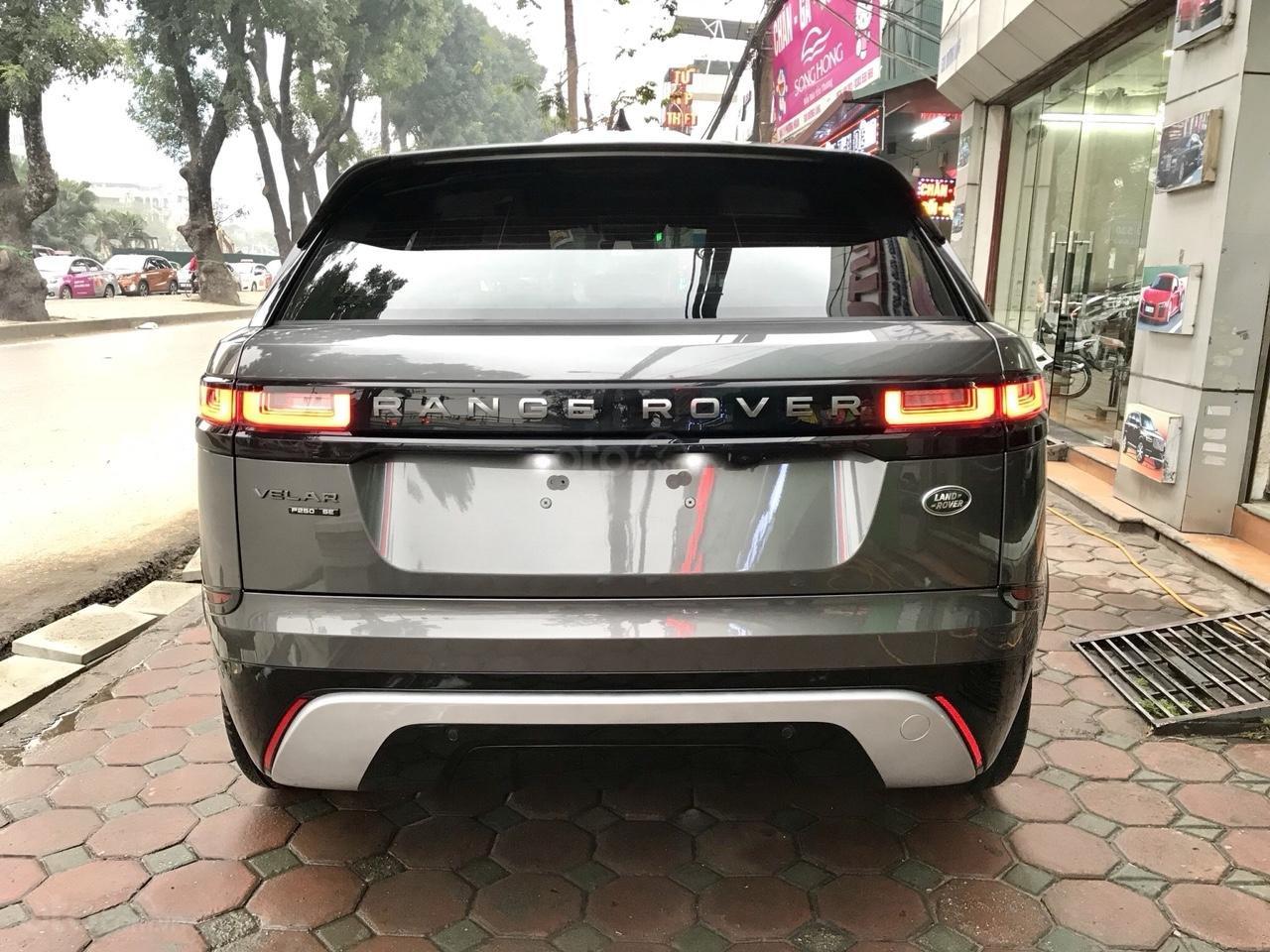 Bán xe LandRover Range Rover Velar P250 SE R-Dynamic sản xuất 2018, màu xám, nhập khẩu-3