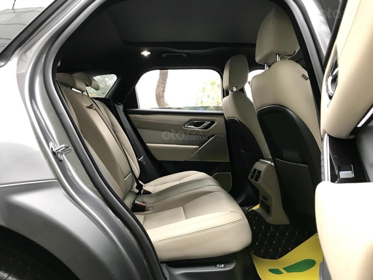 Bán xe LandRover Range Rover Velar P250 SE R-Dynamic sản xuất 2018, màu xám, nhập khẩu-10