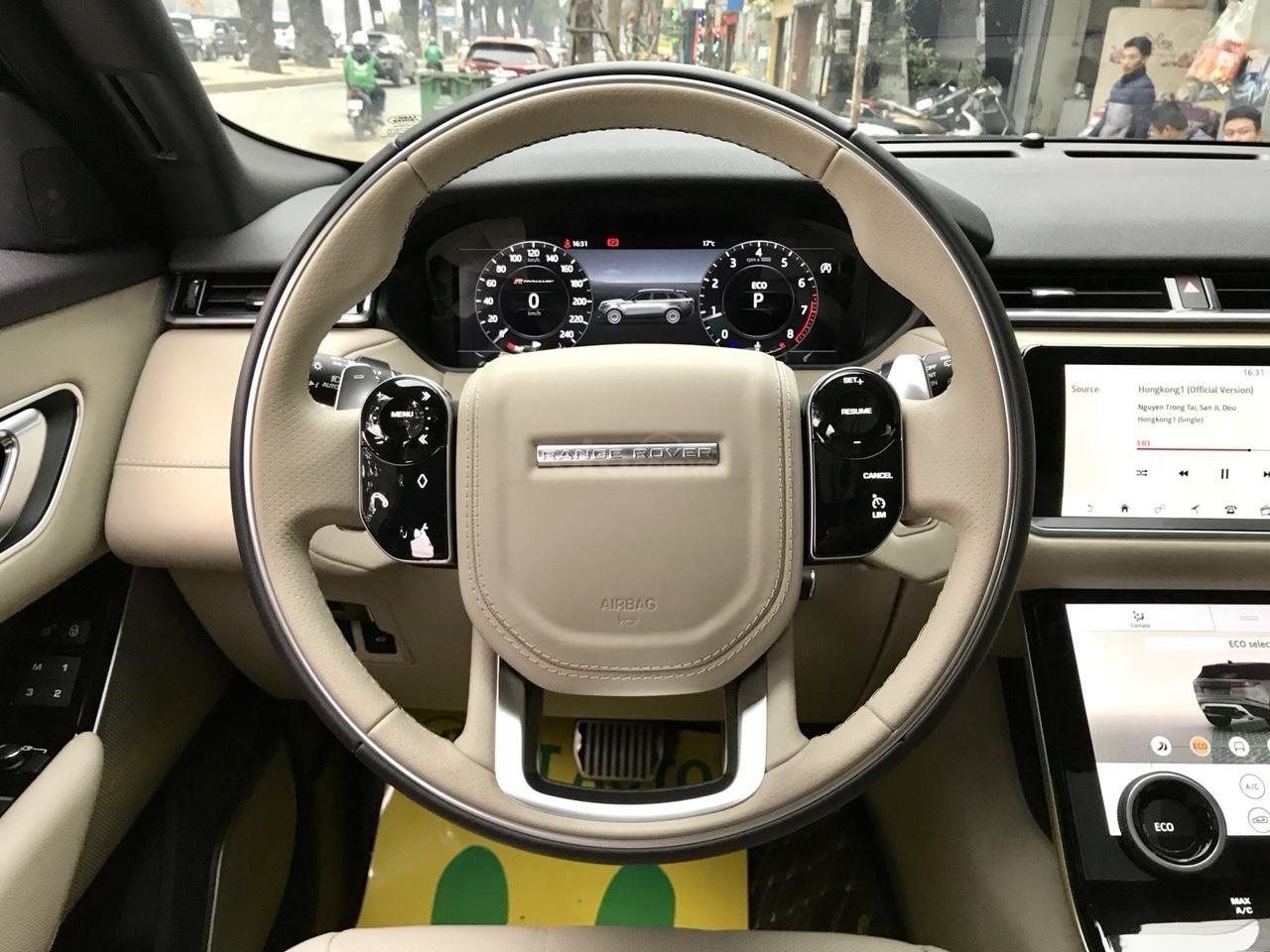 Bán xe LandRover Range Rover Velar P250 SE R-Dynamic sản xuất 2018, màu xám, nhập khẩu-14
