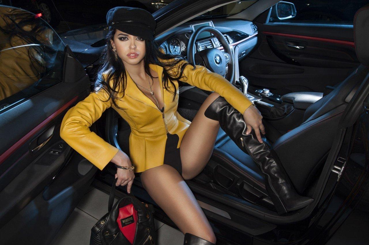 """Bộ ảnh """"nội thất"""" mỹ nữ và siêu xe để tri ân khách hàng của TransTechService8"""