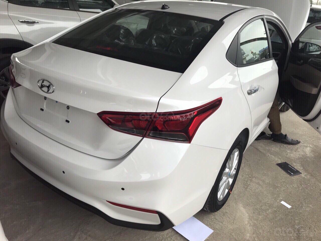 Hyundai Accent 2018, giao ngay, sẵn đủ màu, hỗ trợ ngân hàng 85% với lãi suất thấp nhất. Trả trước chỉ 140 triệu-2