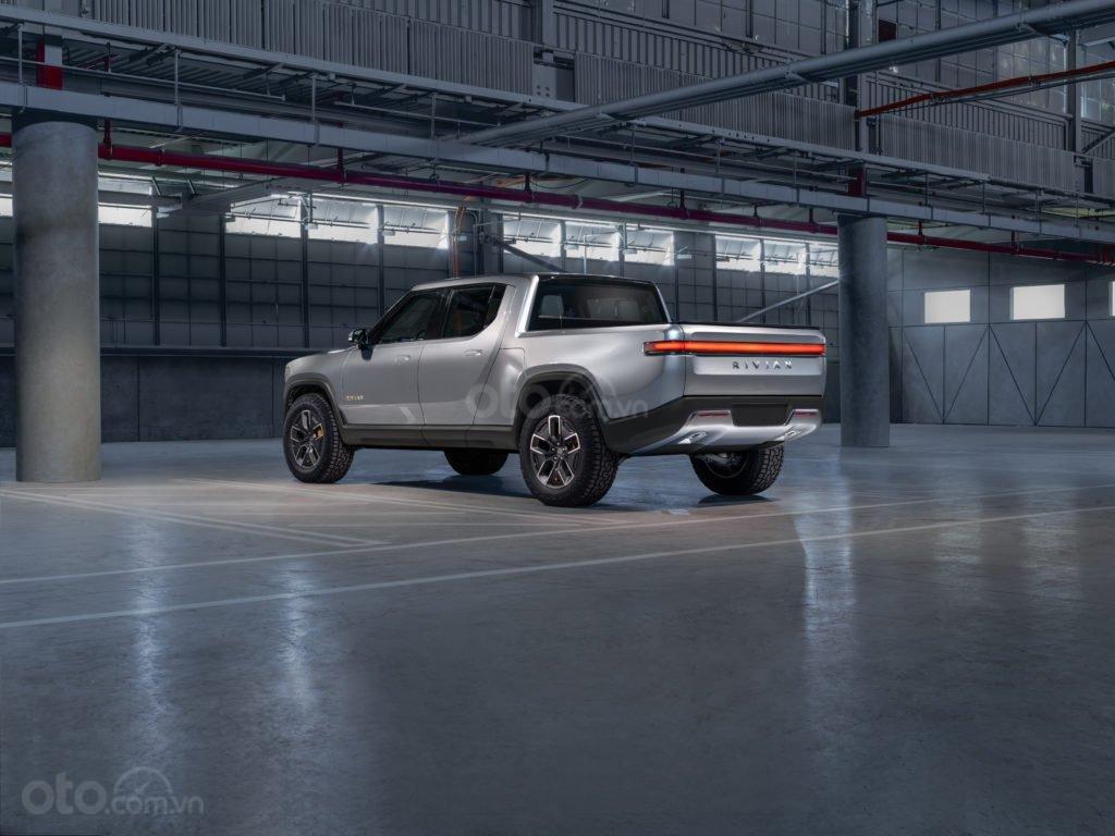 Bán tải điện GM Rivian R1T liệu sẽ mở ra mảng kinh doanh mới cho hãng?