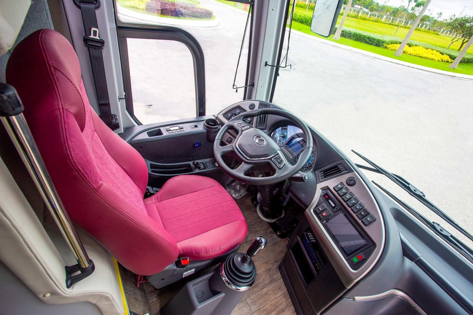 Xe bus Thaco Mobihome Luxury và Thaco Mobihome Premium a8
