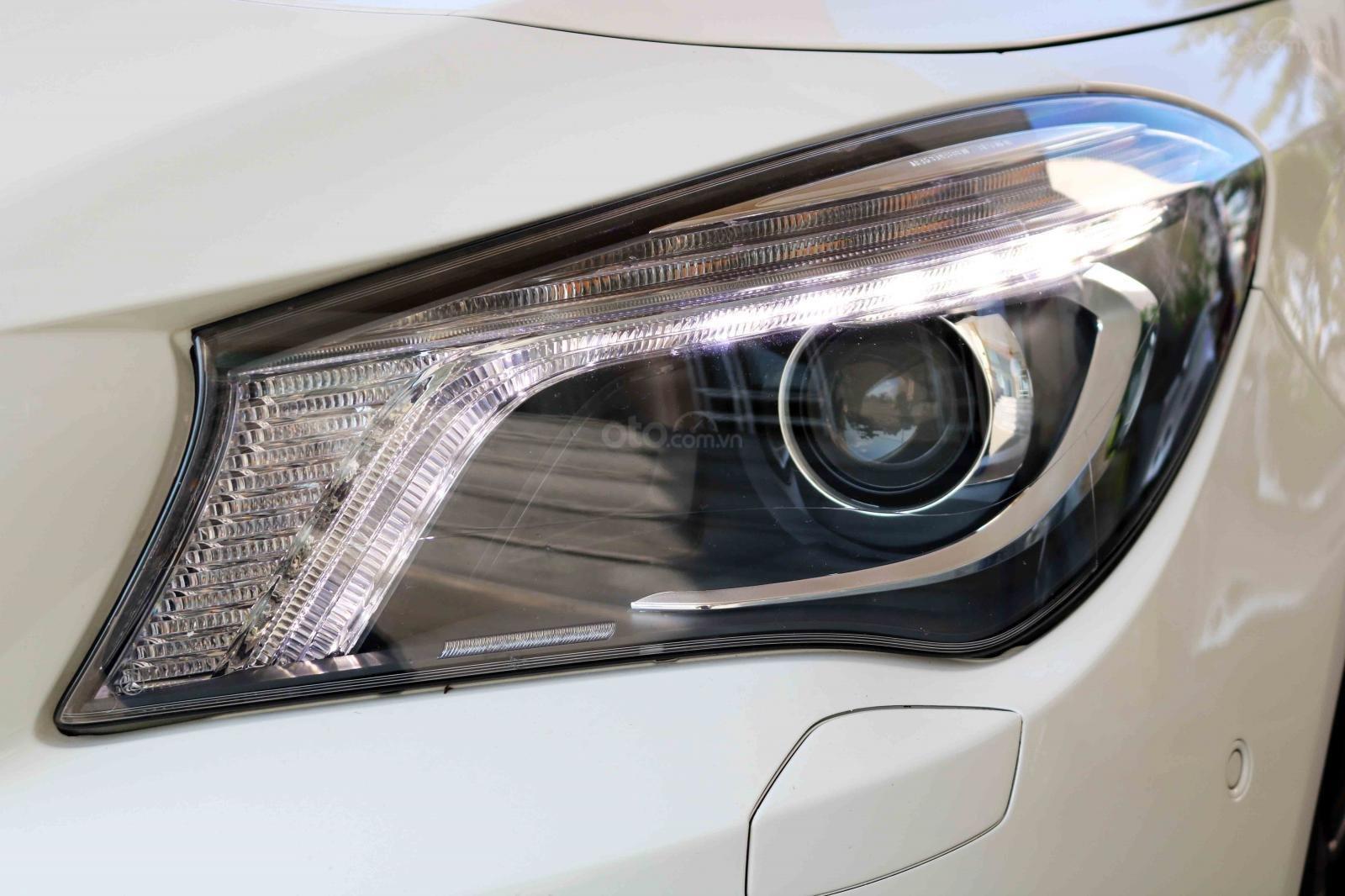 Bán xe Mercedes CLA200 sản xuất 2016, đã đi 31000km, còn rất mới-3