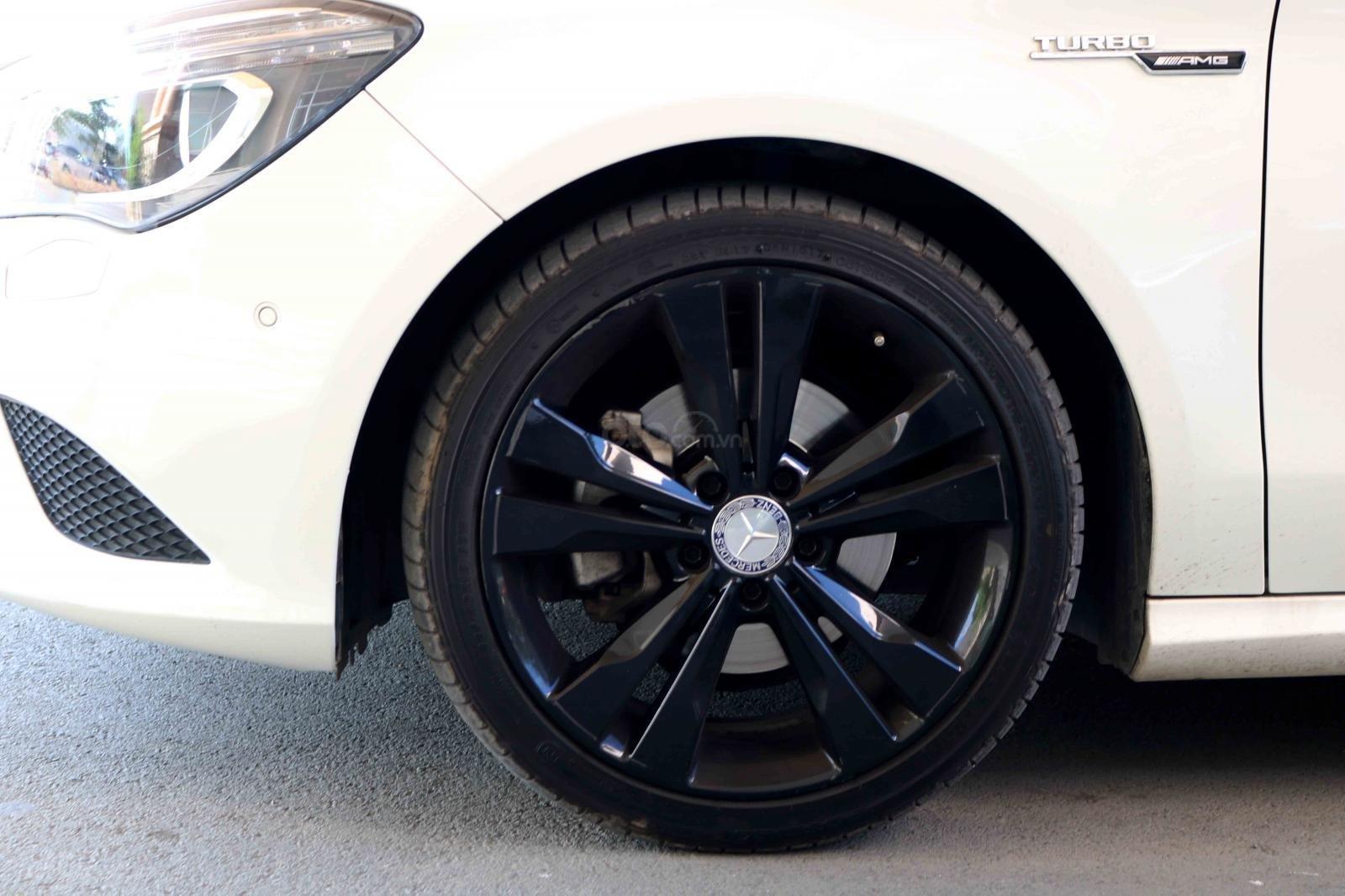 Bán xe Mercedes CLA200 sản xuất 2016, đã đi 31000km, còn rất mới-5