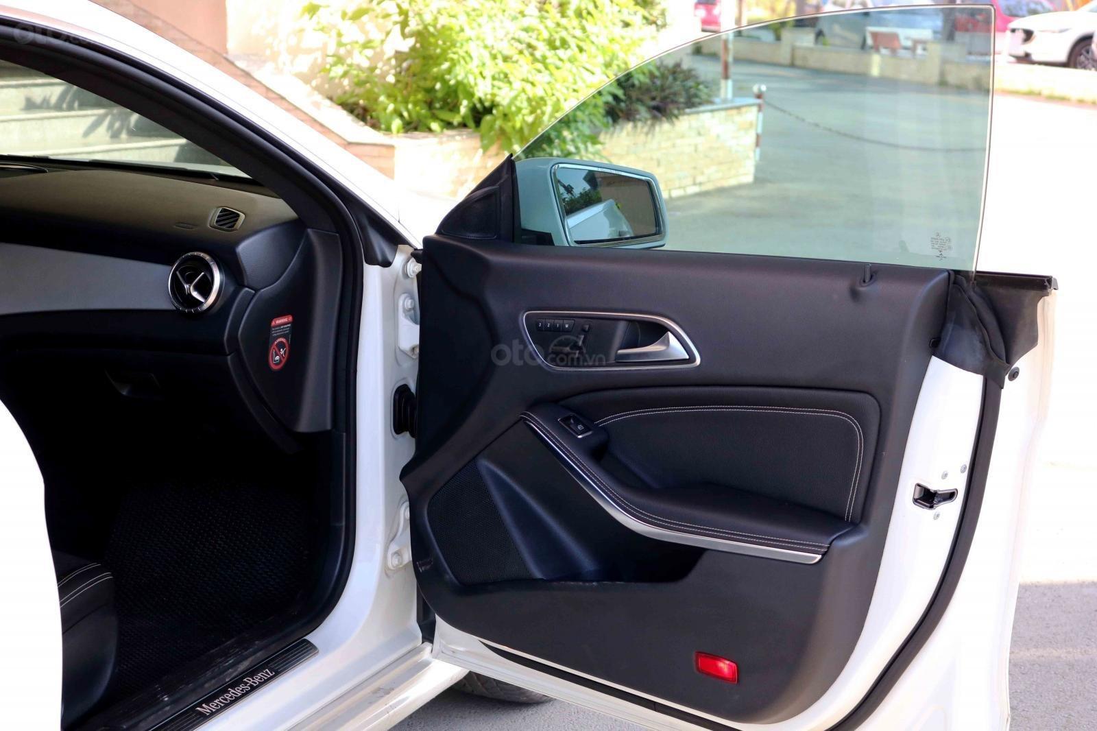 Bán xe Mercedes CLA200 sản xuất 2016, đã đi 31000km, còn rất mới-8