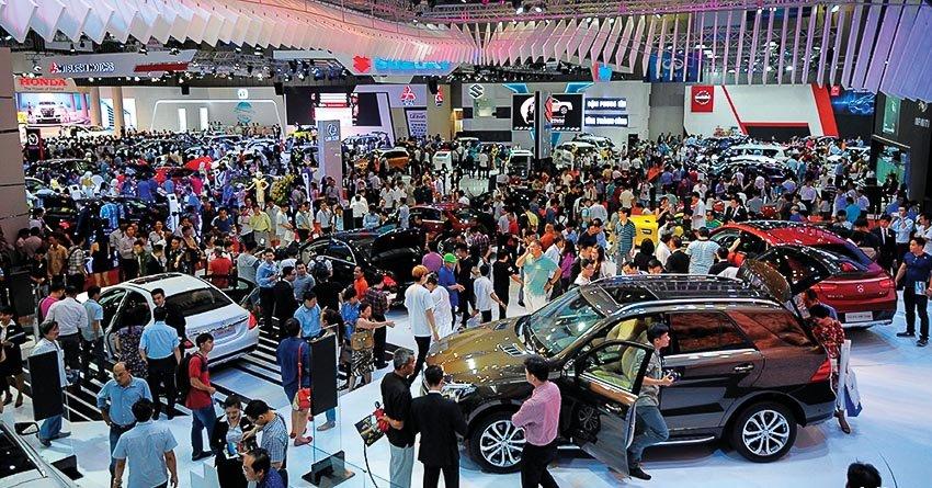 Tỷ lệ sở hữu ô tô tại Việt Nam đang ở mức thấp so với các nước trong khu vực...