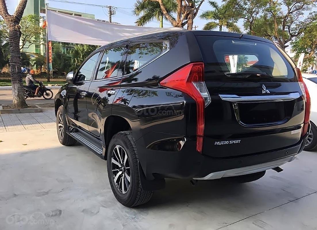 Mitsubishi Pajero Sport bản MT giá 980 triệu đồng chính thức xuất hiện đấu Fortuner a3