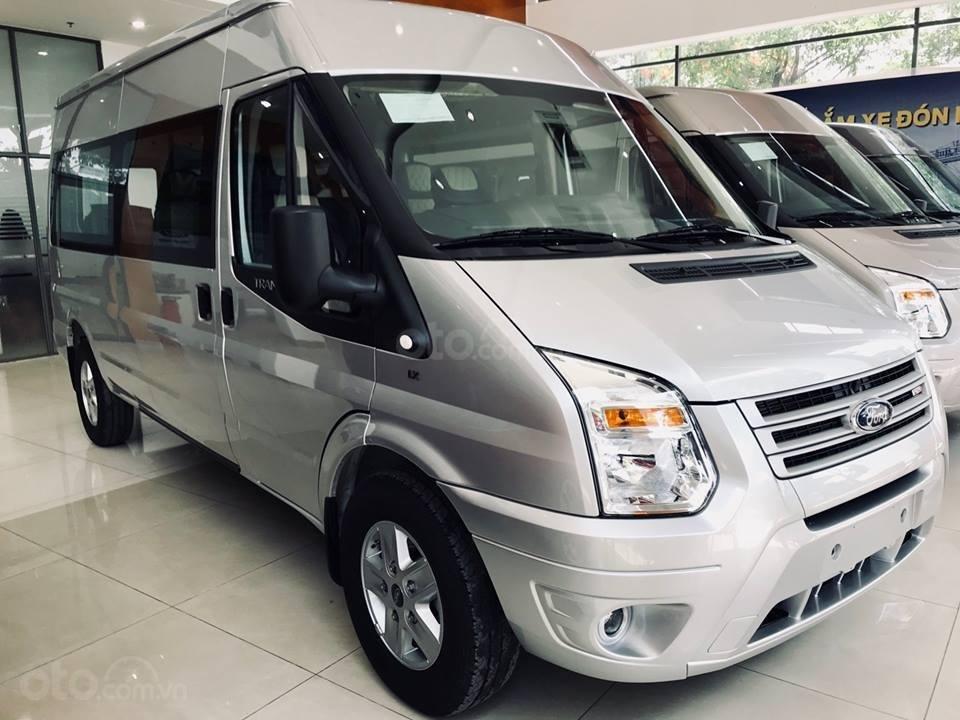 Tặng: BHVC, Hộp đen, bọc trần, lót sàn xe - Khi mua xe Ford Transit MID, SVP, Luxury và Limousine 2019, LH: 093.543.7595-0
