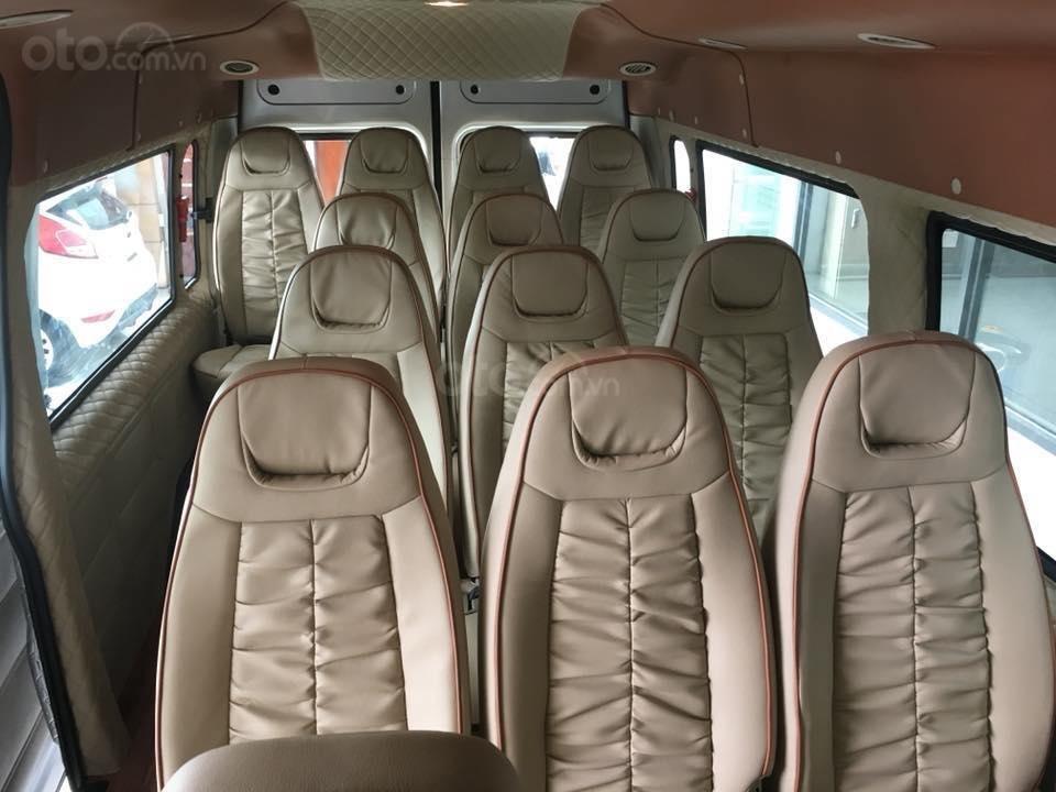 Tặng: BHVC, Hộp đen, bọc trần, lót sàn xe - Khi mua xe Ford Transit MID, SVP, Luxury và Limousine 2019, LH: 093.543.7595-11