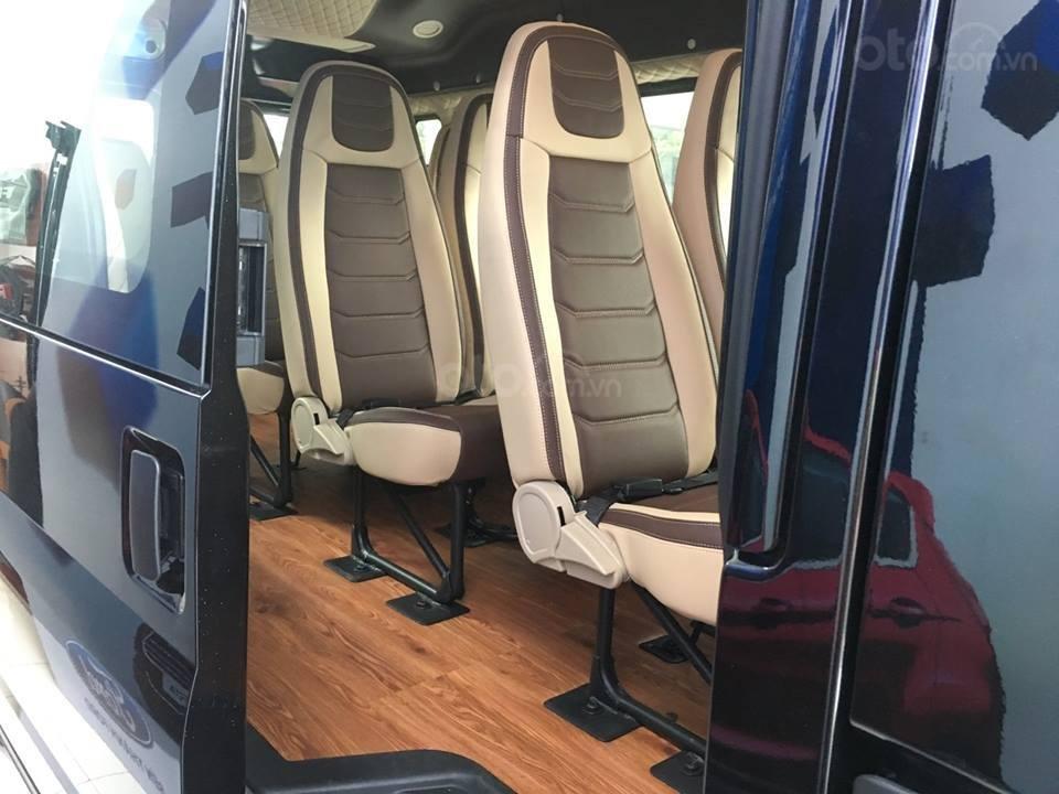Tặng: BHVC, Hộp đen, bọc trần, lót sàn xe - Khi mua xe Ford Transit MID, SVP, Luxury và Limousine 2019, LH: 093.543.7595-12