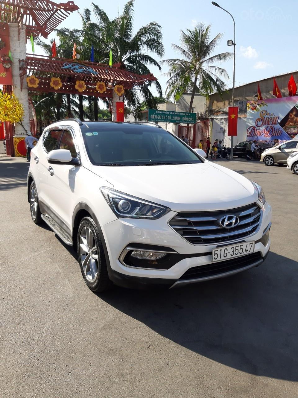 Hyundai Santa Fe CRDi model 2017, màu trắng, nhập khẩu còn mới toanh, full option loại cao cấp nhất, 1 tỷ 50tr-1