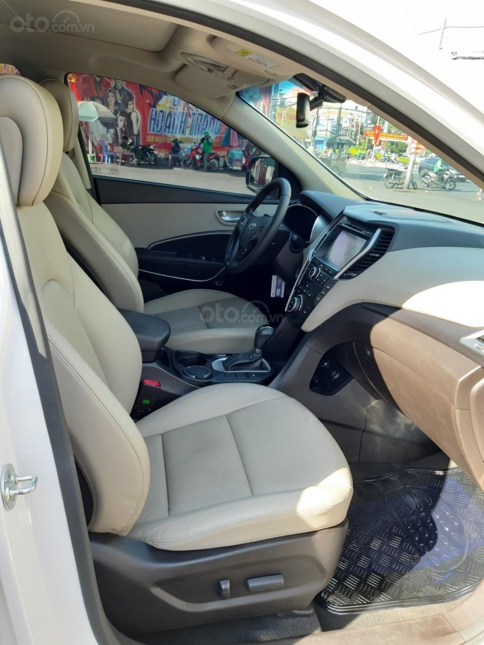 Hyundai Santa Fe CRDi model 2017, màu trắng, nhập khẩu còn mới toanh, full option loại cao cấp nhất, 1 tỷ 50tr-3