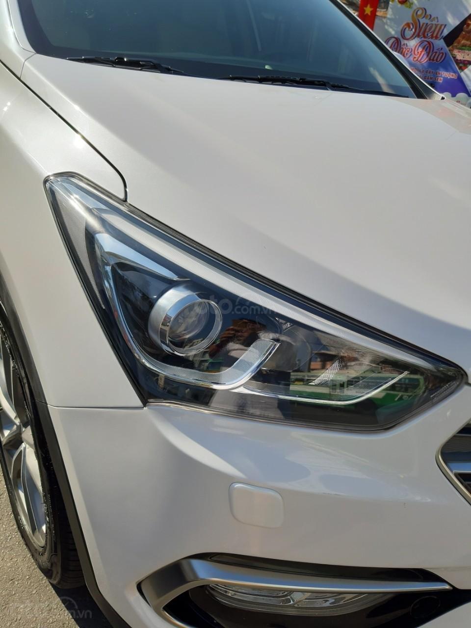 Hyundai Santa Fe CRDi model 2017, màu trắng, nhập khẩu còn mới toanh, full option loại cao cấp nhất, 1 tỷ 50tr-13